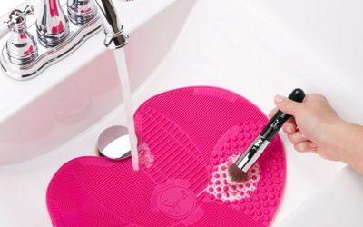 Higienizar os pincéis de maquiagem?