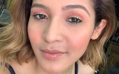 Maquiagem colorida: Sombra rosa com detalhe verde